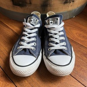Converse Low Top Navy Blue Chucks Sneakers 6.5